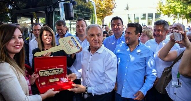 Anadolu Isuzu Makedonya'ya 4 adet CNG sistemli Isuzu Citiport teslim etti