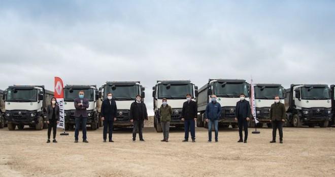 Nomad Lojistik, 22 adet Renault Trucks K520 8x4 XTREM ile filosunu güçlendirdi