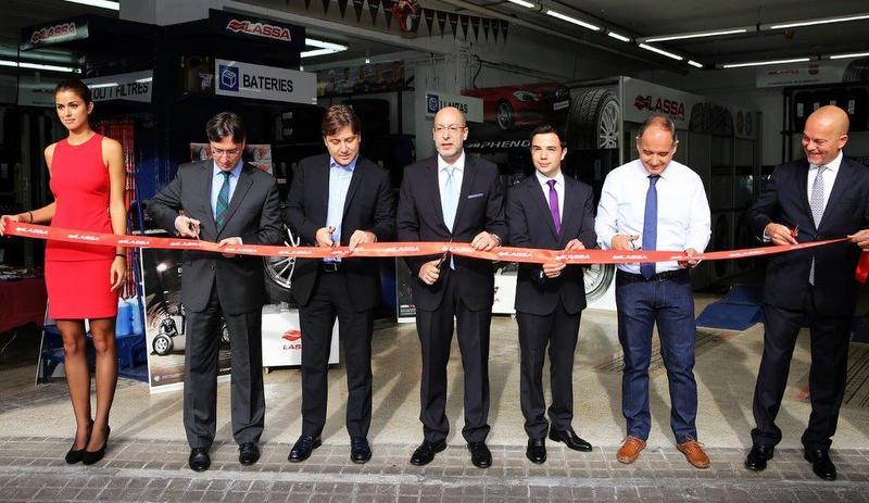 Önce dünya devi futbol kulübene sponsor oldu şimdi de lastik mağazasını açtı