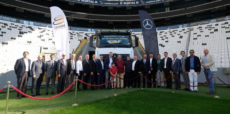 122 adet Mercedes-Benz Arocs aldı, filosundaki araç sayısını 400'e çıkarttı