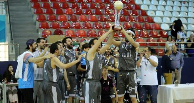 Ekol Basketbol ve Voleybol takımları şampiyon oldu