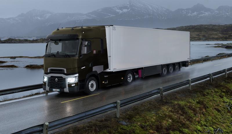 """Renault Trucks """"EN EKONOMİK ARAÇ SÜREN KAMYONCU""""yu Arıyor?"""