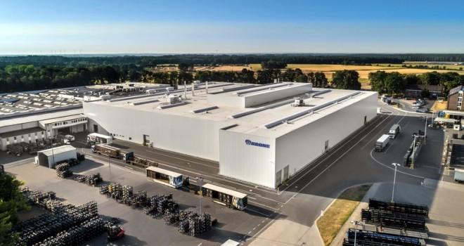 Krone, 112 yıllık tarihinin en yüksek yatırımı olan Kataforez Kaplama Merkezi'ni tanıttı