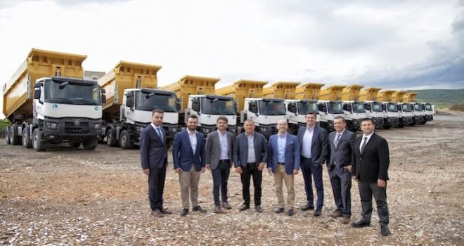 Renault Trucks'tan Güvensoy İnşaat'a 15 adet K 520 kamyon