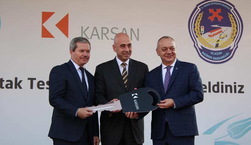 Karsan'dan Manisa'ya 71 adet Atak otobüs teslimatı