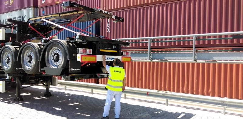 21 tonluk treylerleri Kuzey Afrika'ya taşıdı