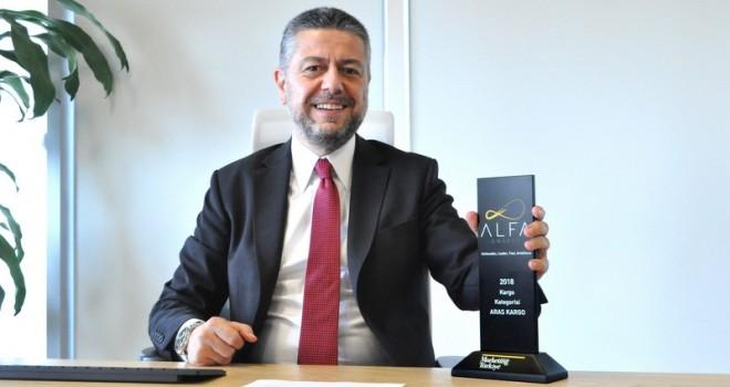 """Aras Kargo'ya """"Müşteri Deneyimini En İyi Yöneten Marka"""" ödülü"""