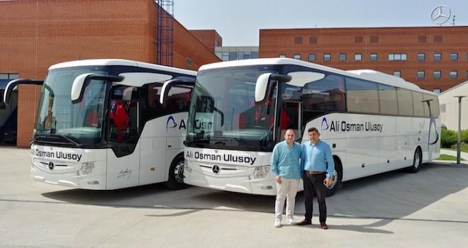 Mercedes'ten 4 firmaya 6 adet Tourismo teslim etti