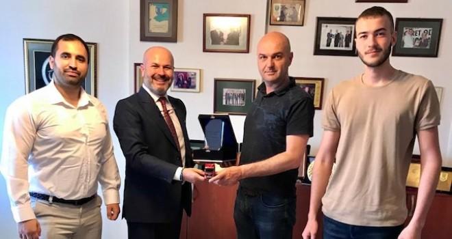 Lokman Koçaslan Otomotiv 3 firmaya 14 adet MAN çekici teslim etti