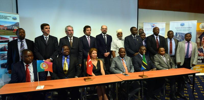3 kıtada 2 bin 600 kilometre demiryolu yaptı, şimdi Doğu Afrika'nın ilk hızlı tren hattını inşa edecek