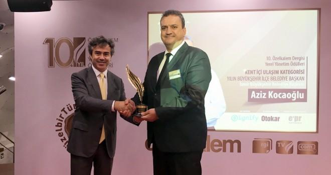 İzmir Büyükşehir Belediyesi, Kent İçi Ulaşım Ödülü'nü Otokar'dan Aldı