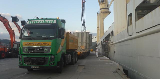 371 tonluk trafoları taşıdı