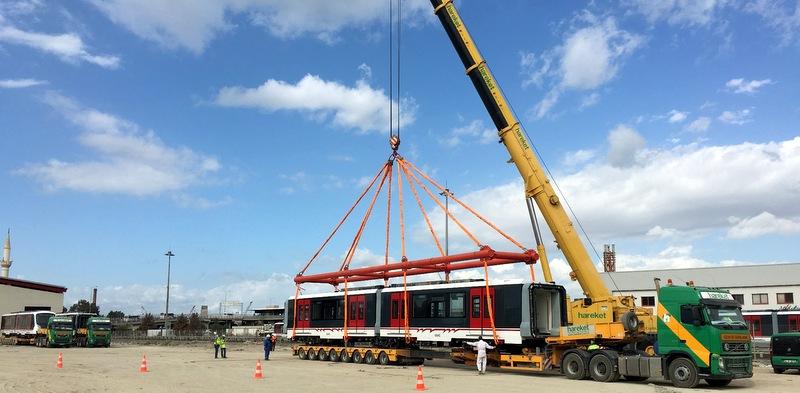 39.4 ton ağırlığında 11 adet İzmir metrosuna ait vagonları taşıdı