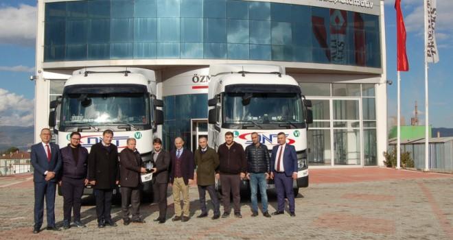 DNT, filosunu Renault Trucks çekicilerle büyütmeye devam ediyor
