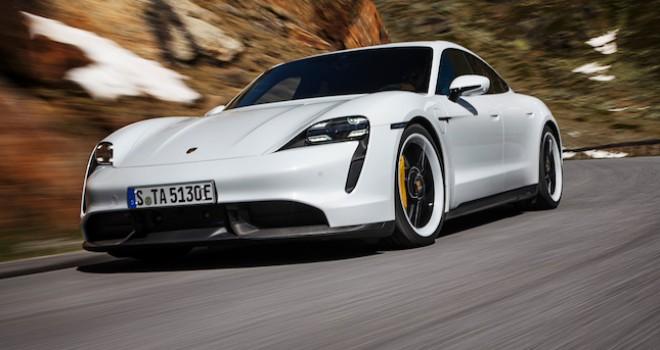 Porsche'nin tamamen elektrikli ilk spor otomobili Taycan tanıtıldı