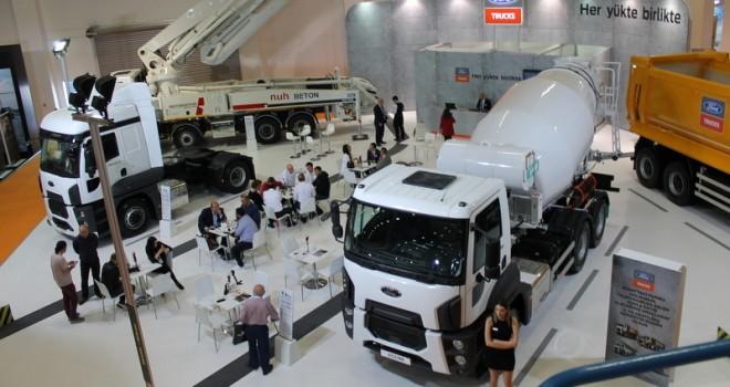 Ford Trucks, hafifletilmiş mikserini ve inşaat serisindeki yeniliklerini Beton İzmir'de tanıttı