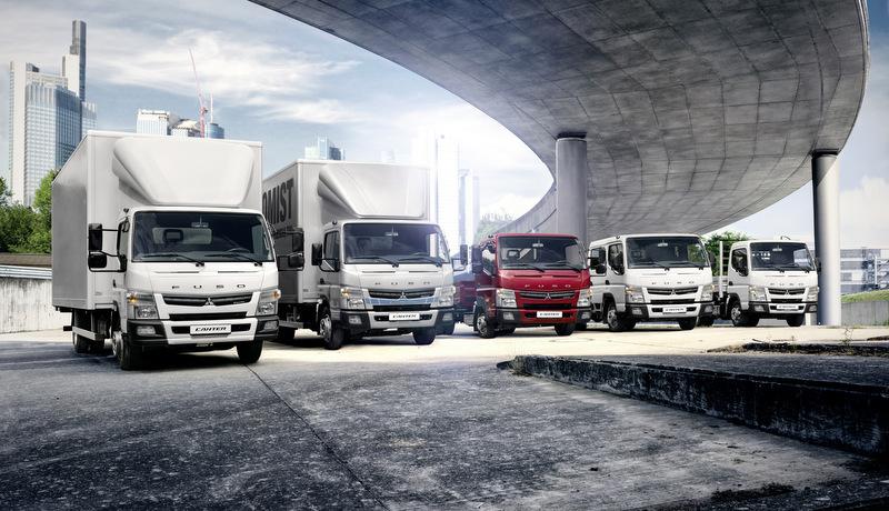 İşte Mitsubishi Fuso Canter'inyeni 3.5 tonluk kamyoneti ve 7.5 tonluk çift kabinli kamyonu