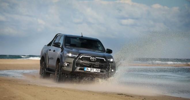 Yeni Toyota Hilux yola çıktı... İşte Türkiye satış fiyatı