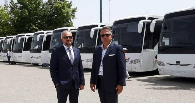 Yaşaroğlu Otomotiv 12 turizm firmasına 22 adet otobüs teslim etti