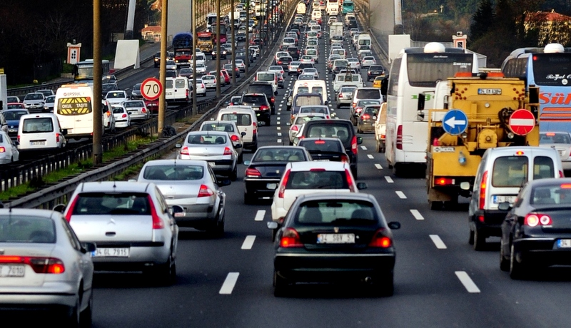 İstanbullu Sürücüler Trafikteki Zamanının 3'te 1'ini