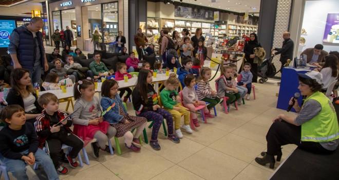 Mercedes-Benz TürkMobileKids Trafik Eğitim Projesi,İstanbul'da çocuklarla buluştu