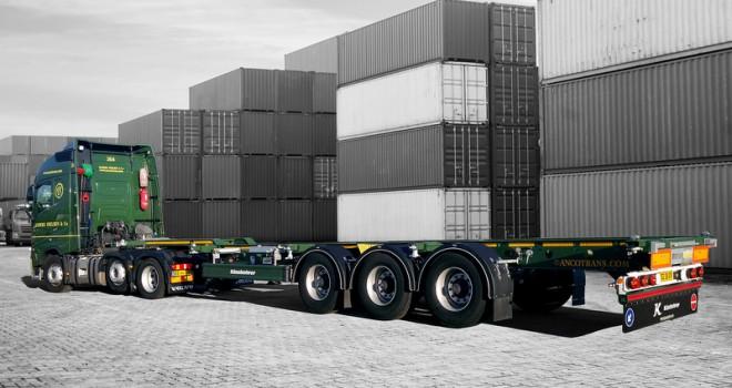 Filosunda 1500'den fazla araç bulunan Danimarkalı taşımacılık firmasına Tırsan'dan 30 adet konteyner taşıyıcı