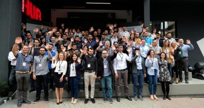 Mercedes-Benz Türk StartUP yarışmasında ön elemeyi geçen 60 girişimci eğitim kampında buluştu