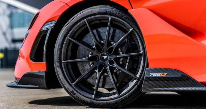 Pirelli, McLaren'in en hızlısı için Türkiye'de ürettiği P Zero Trofeo R lastiklerini tanıttı