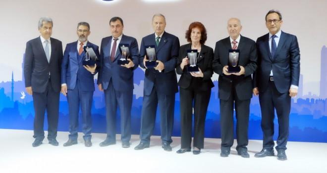 Uluslararası karayolunun başarılı tepe yöneticilerine ödül