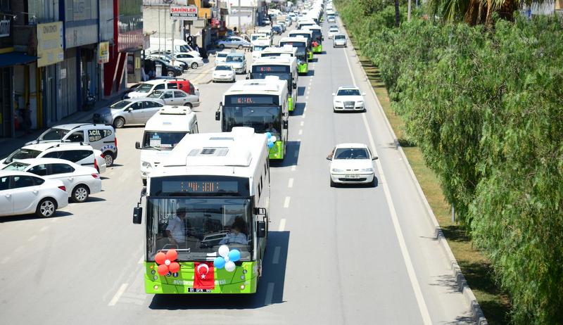 """20 adet otobüs daha aldı ve """"4 yıl içinde sadece bize 500 otobüs lazım"""" dedi"""