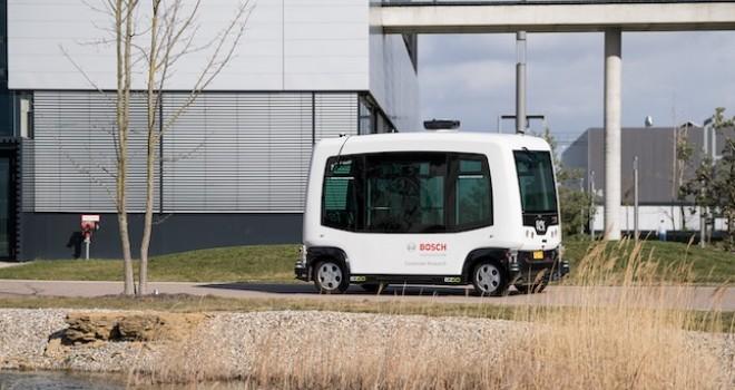 Almanya'da sürücüsüz araçlar ile insan ve yük taşımacılığı yapıldı