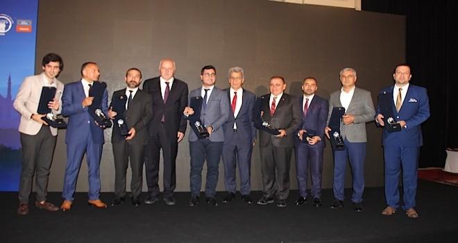IRU Karayolu Nakliye Şirketi Tepe Yöneticileri ödüllendirildi