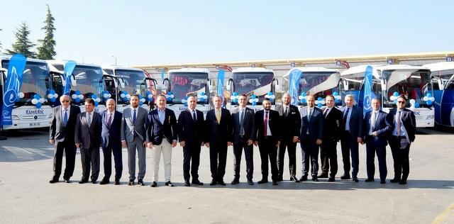 900 adet otobüsten oluşan filosuna 12 adet Tourismo kattı