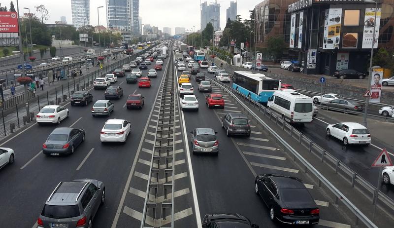 8 yıl sonra İstanbul'daki köprülerden günde 3.9 milyon kişi geçiş yapacak… Peki o zaman trafik sorunu nasıl çözülecek?