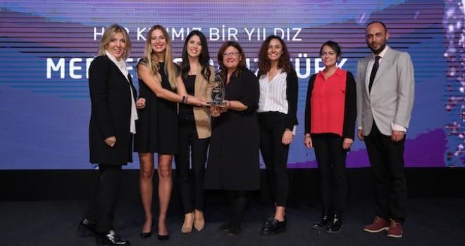 Mercedes-Benz Türk'ün Her Kızımız Bir Yıldız projesine Sürdürülebilir İş Ödülü