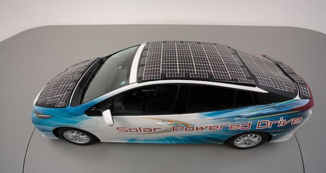 Toyota güneş paneli ile dururken de şarj olacak
