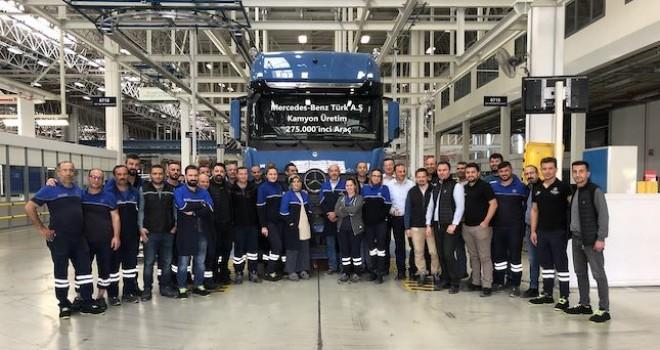 Mercedes-Benz Türk Aksaray Kamyon Fabrikası'nda 275 bininci kamyon banttan indi