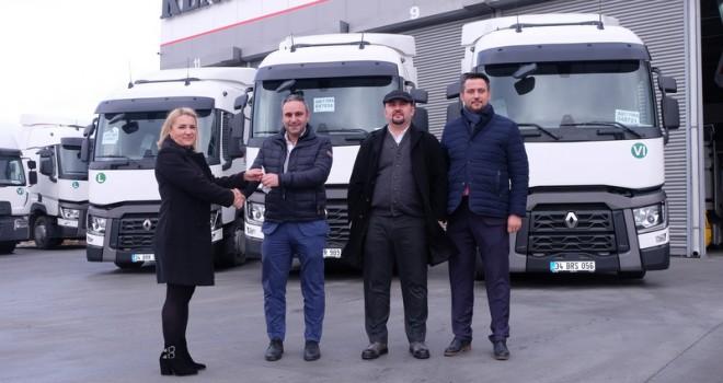 EuroTurk Lojistik filosuna Renault Trucks T 460 çekiciler kattı