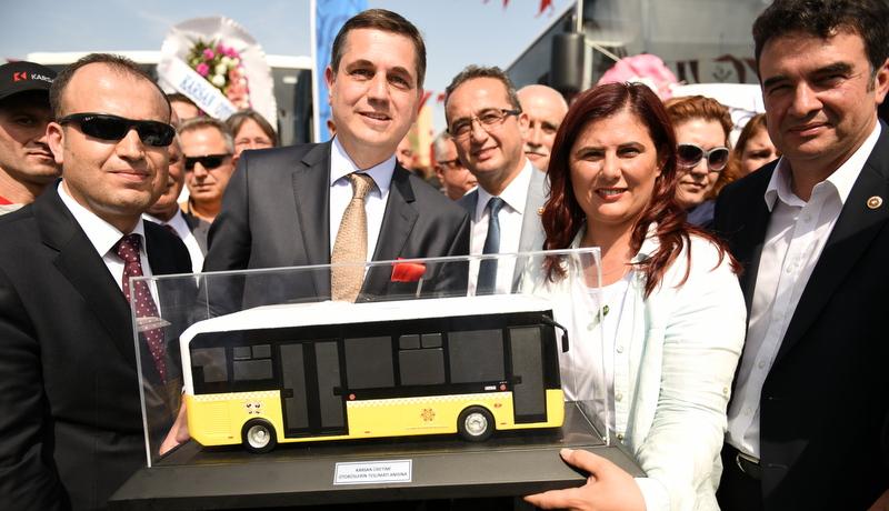 Aydın'a 45 adet orta boy otobüs, 6 adet de minibüs teslim etti