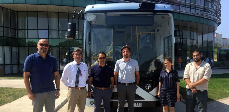 Akıllı ve Elektrikli Otobüslerini Girişimci ve Yazılımcılarla Buluşturdu