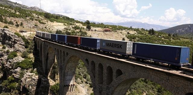 Arkas, Adana'dan Mersin ve İskenderun limanlarına konteyner taşımaya başladı