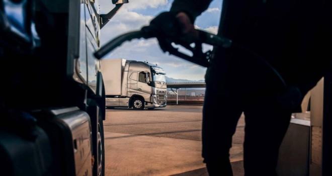 Volvo Trucks, yüzde 7 daha az yakıt tüketen I-Save özellikli FH'ı tanıttı