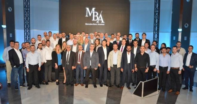 """Mercedes-Benz Türk 2018 yılının """"En iyi Satış Sonrası Hizmetler Çalışanları""""nı ödüllendirdi"""