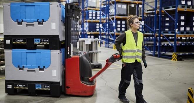 Nakliye ve depolamada katlanabilir plastik konteyner ile yüksek performans sunuyor