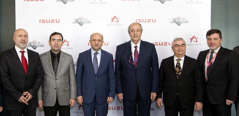"""Bakan Fikri Işık: """"Anadolu Isuzu Ar-Ge Merkezi teknoloji üssü olmuş!"""""""