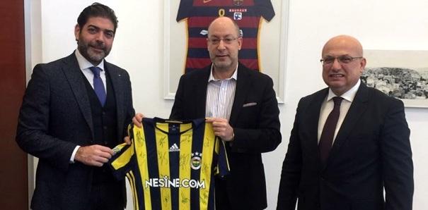 Brisa, Fenerbahçe otobüsün lastik sponsoru oldu
