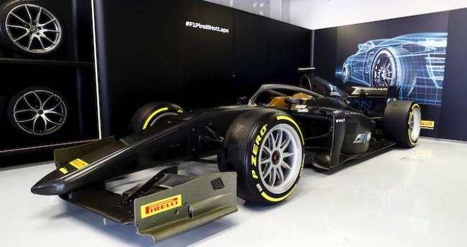 Pirelli, Formula 1 ve Formula 2 için geliştirdiği lastikleri tanıttı