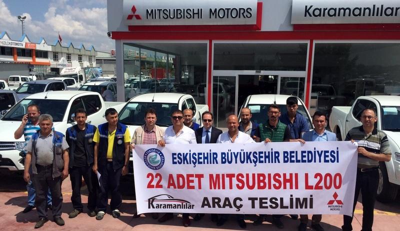 Eskişehir Belediyesi'ne 22 adet L200 teslim etti
