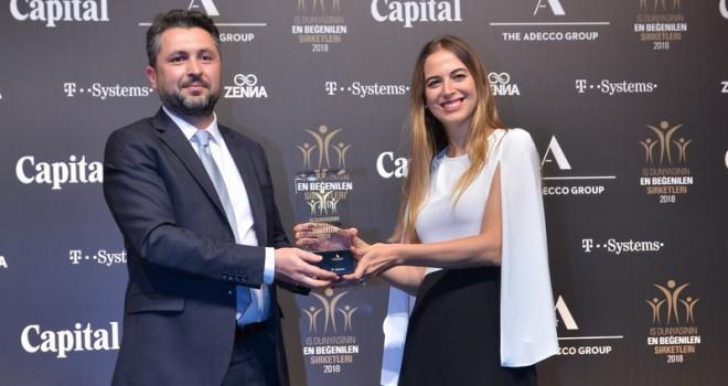 """Mercedes-Benz Türk'e """"Otomotiv Sektörünün En Beğenilen Şirketi"""" ödülü"""