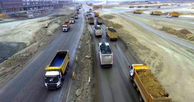 İstanbul'un yeni havalimanının inşaatında çalışan 3 bini aşkın kamyona22 bin lastik sattı